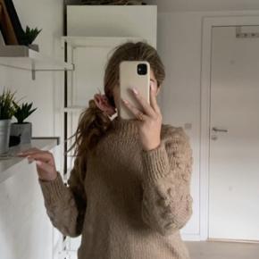 Sælger denne dejlige strik trøje fra vero moda Snup den for 100kr