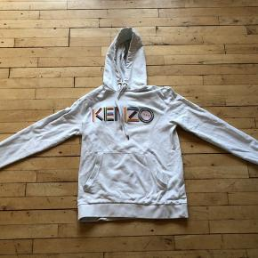 Lækker Kenzo trøje, prisen er 1250 grundet nypris er 2250