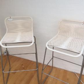Flotte Montana var stole  76 cm siddehøjde ... Pris for en stol er 2600kr så meget billigt