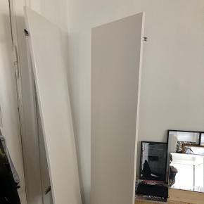 2 IKEA Pax højglans låger kan hentes på Hillerødgade til 700 kr. De er brugt i 4 måneder, fejler intet. Det er ikke de højeste!