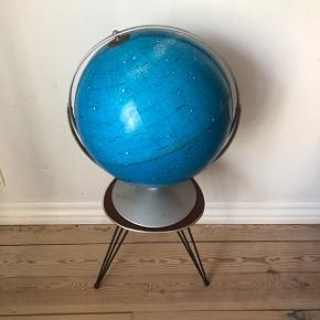 Super skøn patineret nattehimmel-globus ❤️❤️❤️ Pris 400,- kr.