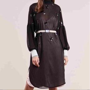By Malene Birger kjole Nypris 2399 kr.  Aldrig brugt