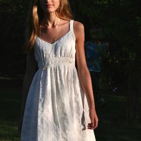 By Behrendt kjole