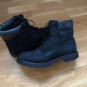 Timberland støvler. sælges da de er for små til mig. Brugt få gange