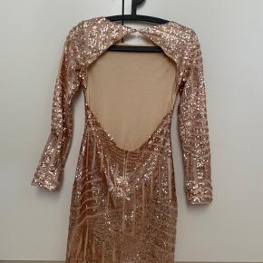 Ny aldrig brugt kjole i str XS.