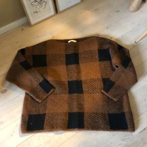 Rabens Saloner sweater