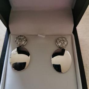 Helt nye Sif Jacobs Novara øreringe sælges  Original emballage og kvittering haves