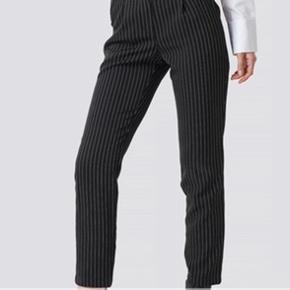 Bukser fra NA-KD
