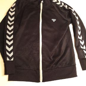Hummel zip trøje str 146 Gmb fnullert  Pris ; 40 kr pp