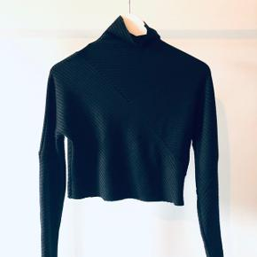 Sort cropped stretchy top / trøje fra zara