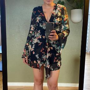 Missi London kjole