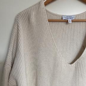 Sweater der er godt brugt, men stadig dejlig at have på.   Byd genre