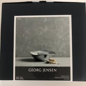 """Fin Georg Jensen """"Space"""" skål i størrelsen small. Aldrig brugt. Kan afhentes på Østerbro."""