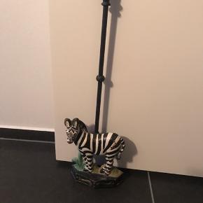 Dørstopper jern zebra   54 cm høj koldt afslag se billede 2              225kr  Randers nv ofte Århus Ålborg København mm Til salg på flere sider