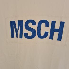 Byd - prisen er kun et udgangspunkt🧡 mængderabat gives🎊 Oversized trøje Viser små tegn på at blive vasket  Kan afhentes i aalborgområdet efter aftale:)) RØGFRIT OG PELSFRIT HJEM🐶