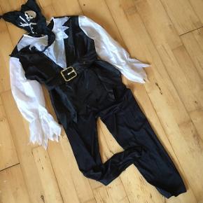 Sørøver pirat 140  Udklædningkostume Halloween temafest Sender gerne