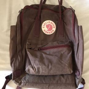 Skoletaske/rygsæk fra fjällræven. Rødlig/brunlig farve, byd!