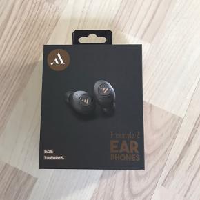 Fik to, derfor disse ikke er pakket op  Argon Audio  Skriv for mere info