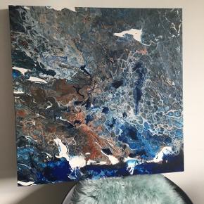 Eget maleri. 60x60 cm. på tykt lærred. Rustikt og med smukke blå farver mm. Malet i flere lag.