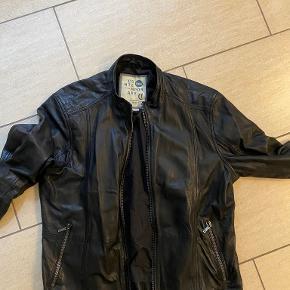 Solid jakke