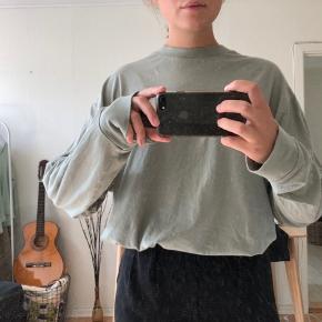 Langærmet trøje/sweatshirt fra mærket Collusion (ASOS) 💛 - Trøjen er unisex