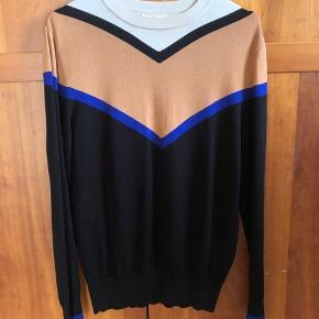 Fed sweater fra H&M's trend collection. Nypris er 599 og den er købt i NYC💛