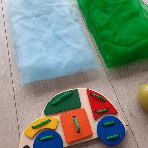 Sanselegetøj til baby eller de små børn.