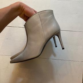 Custommade heels