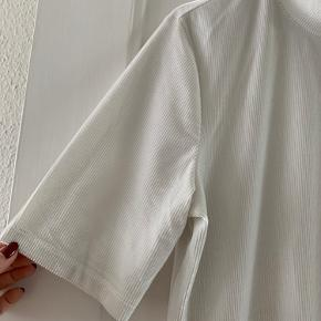 Bluse i fløjlsvelour.
