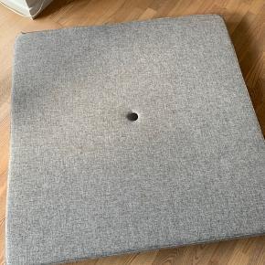 Klip klap madras. Lidt små pletter på betrækket, men dette kan vaskes.  Afhentes i Randers eller Tilst.