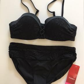 Ny bikini fra Triumph. Der står str xl men synes den svare til M/L.