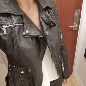 Karen Millen jakke