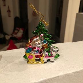 Nostalgisk gammelt engelsk julepynt. Så smukt og næsten umuligt at opdrive.  Prisen er pr. Stk