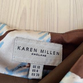 UK10. 95% silke i yderstoffet. Sender med DAO