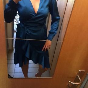 Fin slåom-kjole fra Bik Bok. Brugt en enkelt gang.