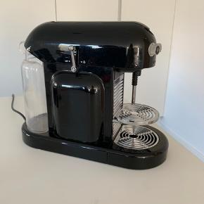 Sort nespresso maestria maskine