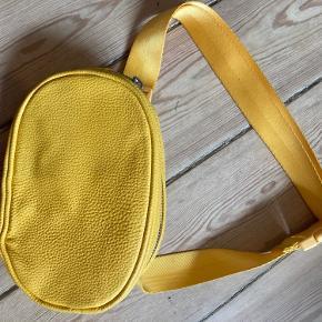 H&M bæltetaske