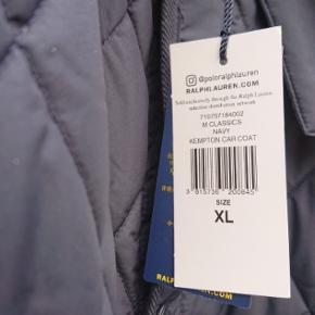 Splinterny Ralph Lauren jakke (   car coat )   str.xl.  Mørkeblå som billede 1.  Desværre for stor til mig.  Sælges derfor til Danmarks bedste pris