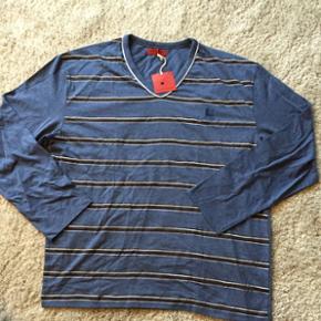 Pascal Morabito  Langærmet t-shirt   Aldrig brugt - stadig med mærke  Stribet blå lyseblå  Str. Xl   Kom med et bud   Se også mine andre annoncer  Kan afhentes på Østerbro eller Midtby efter aftale  Ved forsendelse betaler køber Porto 😊