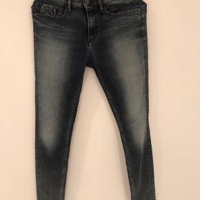 Calvin Klein jeans str 27/32 Brugt 2 gange Bytter ikke