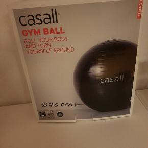 Fitness bold  / trænings bold. Ny med pris mærke.  100 kr. - Kan sendes.