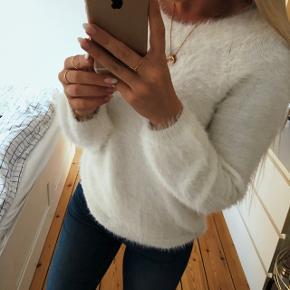 *RESERVERET*Helt ny lækker blød bluse. Købt i vinters, men aldrig brugt.