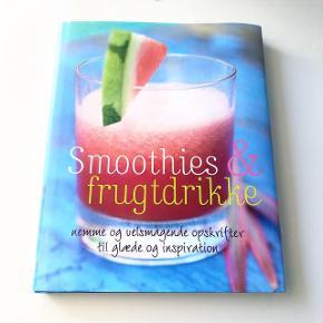 Stor bog med lækre smoothie-opskrifter. Aldrig brugt.   Pris: 30 kr.   Afhentes i Aarhus C.
