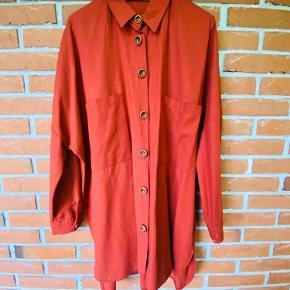 Skjorten er købt fra en vintage-ish forretning i Istanbul.