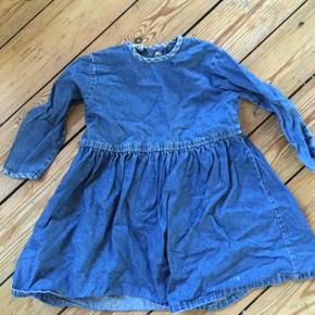 H&m kjole str 92  - fast pris -køb 4 annoncer og den billigste er gratis - kan afhentes på Mimersgade 111 - sender gerne hvis du betaler Porto - mødes ikke andre steder - bytter ikke