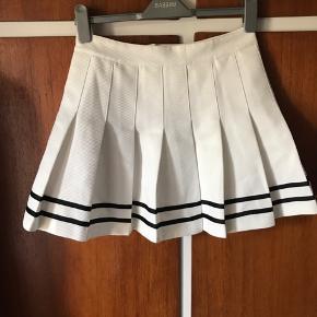 Sødeste nederdel fra H&M i str 38