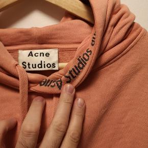 Acne Studios Yala As Rib AW17. Pink. Brugt 4-5 gange. Oversize, så medium svarer til large/xl