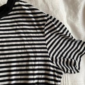 Stribet t-shirt i klassisk Crew neck fit