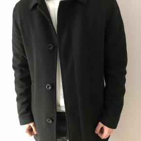 Frakke fra Tiger Of Sweden Kan mødes og handle på Østerbro og i Storkøbenhavn  Se også mine andre annoncer