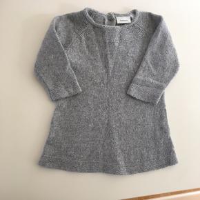 """Super fin kjole fra Name it i uld blanding. Str 62  Den befinder sig i det nye loppesupermarked """"Flea Loppen"""" Ndr Fovrfeldvej 52 (Bagved Viking i 6710 Esbjerg V) hos stand nr 45. 😊 tjek evt deres facebook side."""